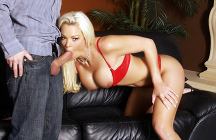 Hot Blonde mother i d like to fuck Rhylee