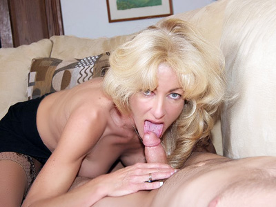 light haired chick MILF Lexi Carrington
